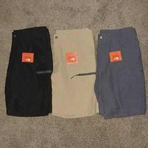 MENS THE NORTH FACE TECH SHORTS SIZE 34